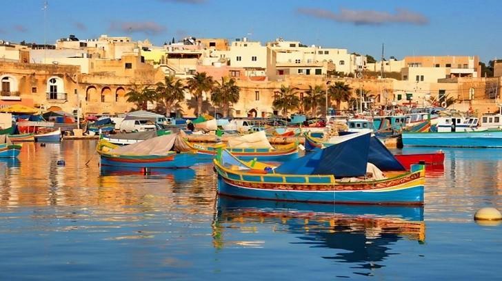 Malta'da Gezilmesi Önerilen Yerlerden En Önemlileri, Bir Finansçı