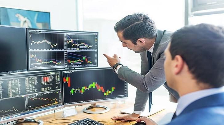 Döviz Piyasası İşlemleri ve Türleri, Bir Finansçı