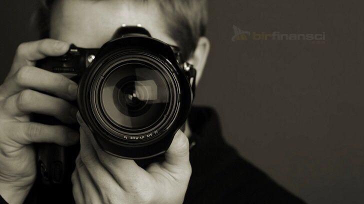 Dünyanın En Ünlü Fotoğrafçıları, Bir Finansçı
