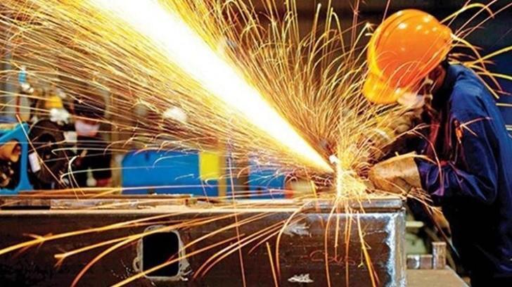 Sanayi Üretimi Ekonomideki Durgunluktan Olumsuz Etkilendi, Bir Finansçı