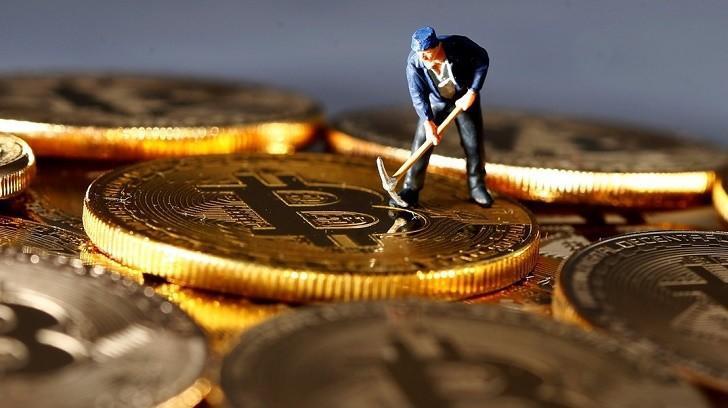 Bitcoin Madenciliği Nedir ve Karlı Mıdır?, Bir Finansçı