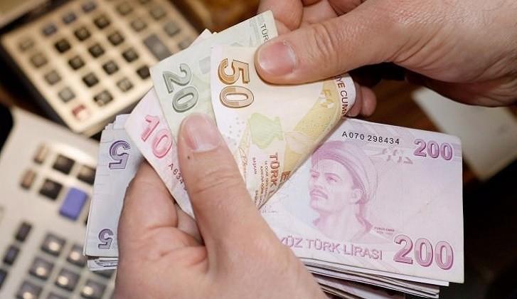Senetle Para Veren Yerler, Bir Finansçı